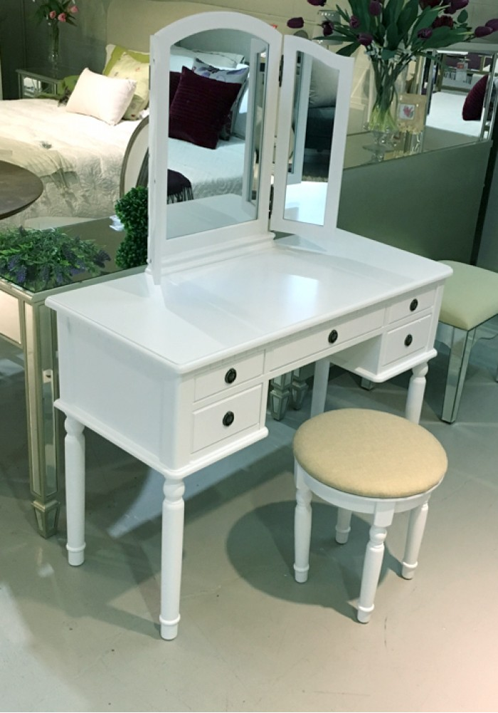 Dressing Table With Mirror And Stool: Dressing Table With Mirror And Stool