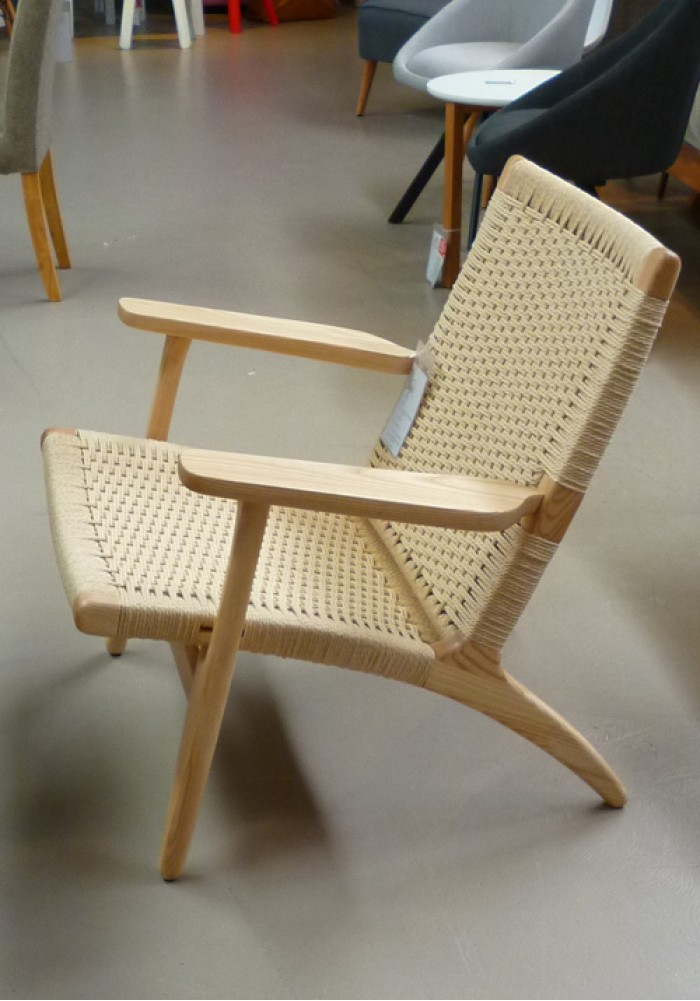replica ch25 easy chair by hans wegner